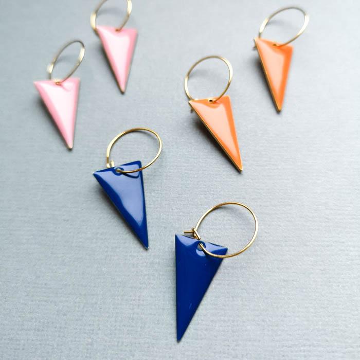 Creolen mit Emaille Dreiecken *Triangle*